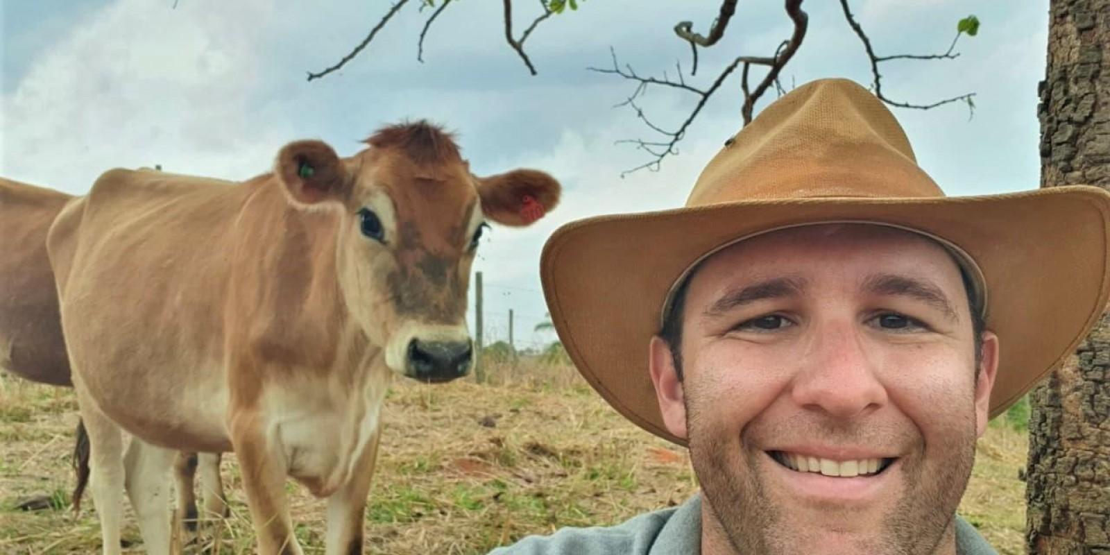 Melhor qualidade de vida faz agrônomo trocar cidade pelo campo para produzir leite orgânico