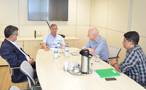 Senar, Faemg e Fundação Hanns Neumann reúnem-se para alavancar sustentabilidade e qualidade do café de Minas