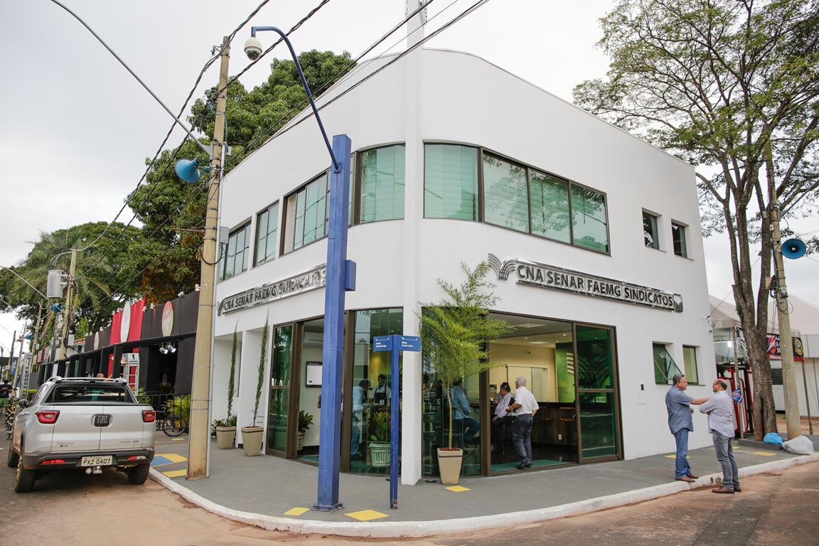 Senar inaugura sede em Uberaba